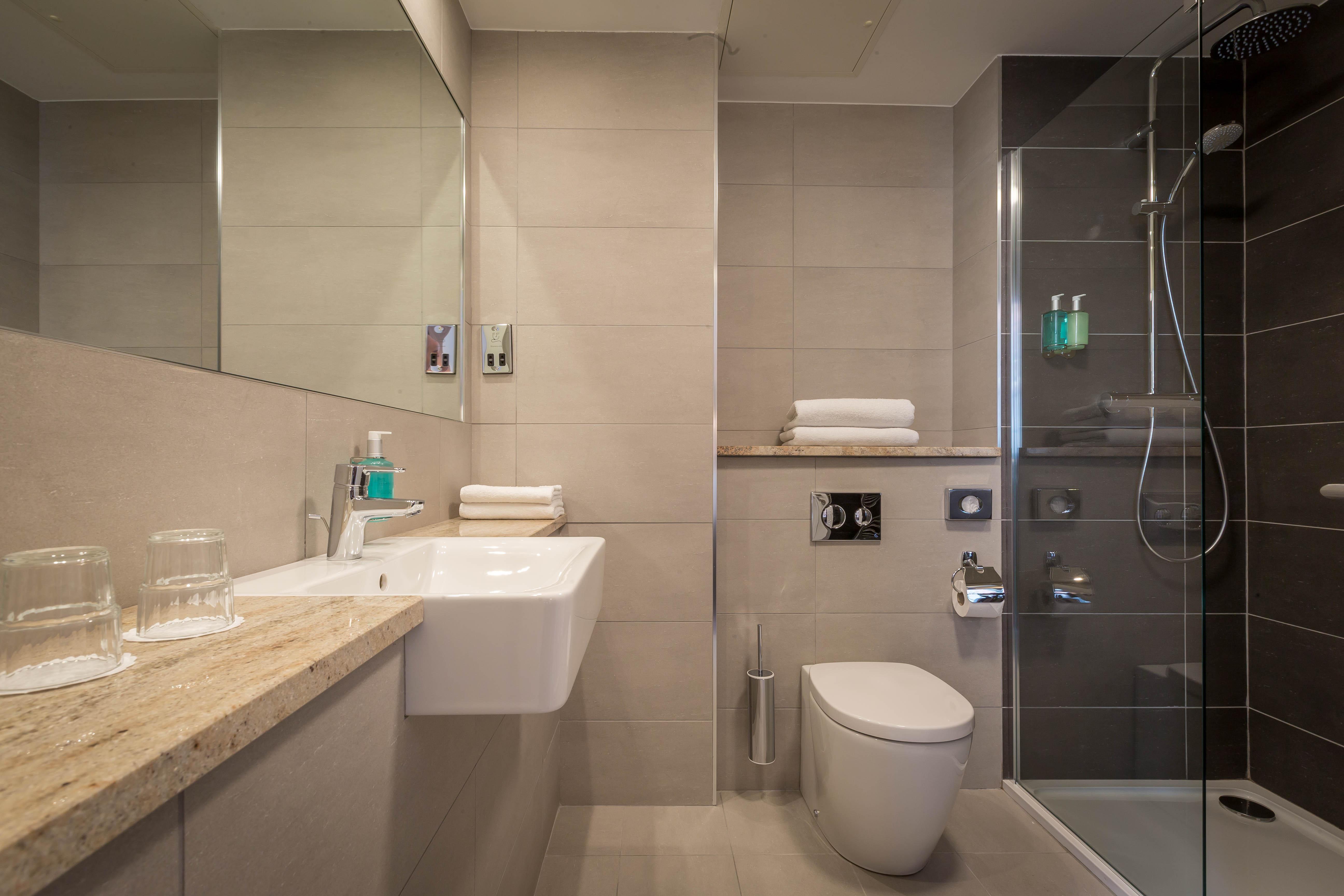 Belvedere-Hotel-Bathroom-1