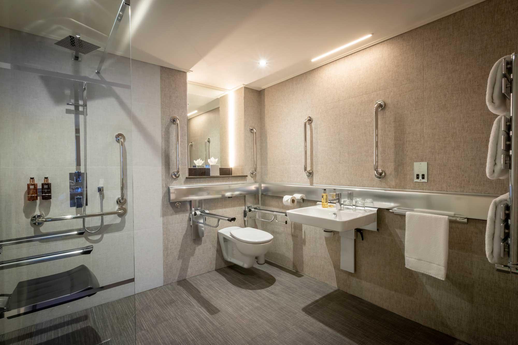 Belvedere-Hotel-Dublin-accessible-bathroom